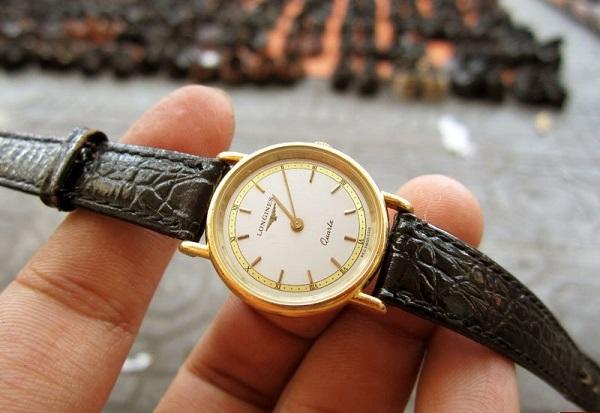 đồng hồ thụy sỹ cũ kĩ và giá trị của nó 2